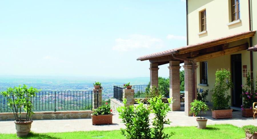 50 kvm rækkehus med stor grund og smuk beliggenhed i Larciano omkring 30 km vest for Firenze i Italien til 250.000 euro, svarende til ca. 1,9 mio. kr. Foto: Toscana Bolig