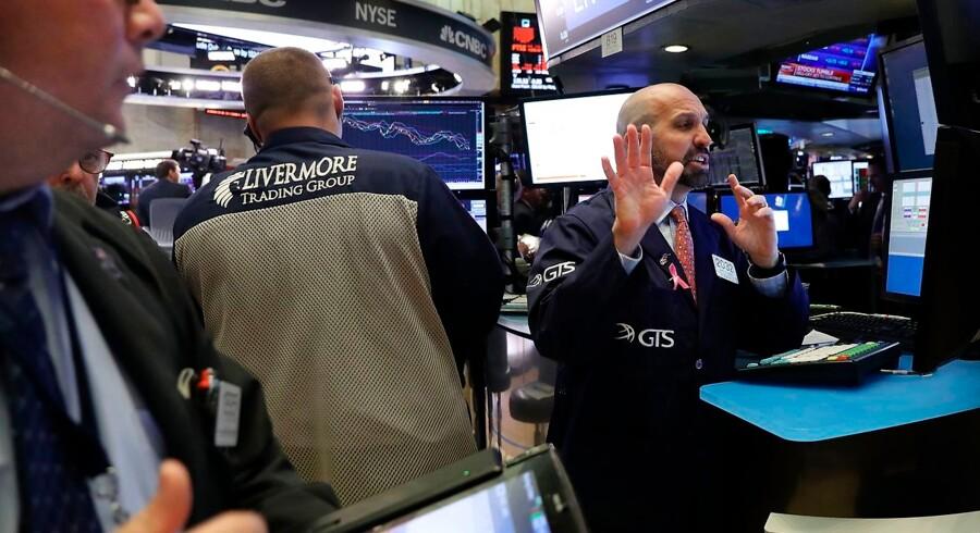 De danske statsrenter faldt torsdag, hvor der var voldsom volatilitet blandt aktierne.