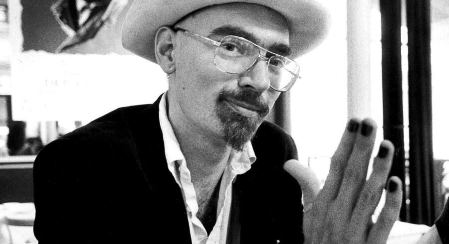 Dan Turèll døde for 25 år siden, 15. oktober 1993. Han blev kun 47 år, men skrev til det sidste og læses stadig i dag.
