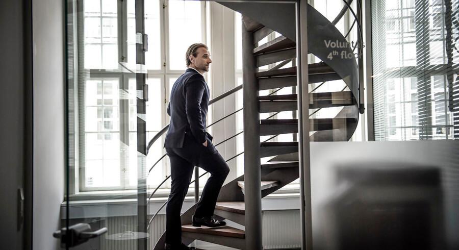Morten Albæk, bestyrelsesformand i Ilse Jacobsen Hornbæk til Berlingske mandag: »Vi er i fuld gang med at tage de nødvendige handlinger for at løse de udfordringer, virksomheden har. En af de primære drivere for engagement er ledelsen, og der har ikke været bedrevet en tilfredsstillende form for ledelse hos IJH A/S. Det er der 100 pct. enighed om i bestyrelsen.«
