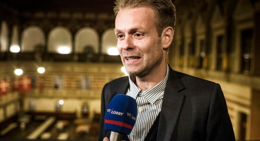 Niko Grünfeld er stoppet som kulturborgmester grundet møgsager, men han dropper ikke sin politiske karriere.