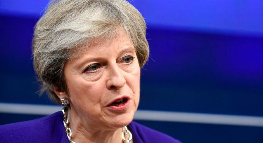 EU har sagt, at man kan forlænge overgangsperiode efter brexit med et år, men Theresa May ønsker blot måneder.