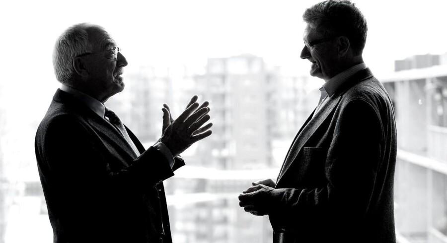 Mogens Lykketoft og Uffe Ellemann-Jensen giver deres bud på verdens tilstand i samtalebogen »Du store verden«.