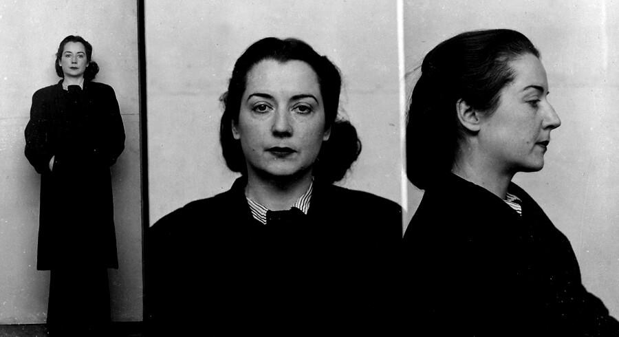 Vera Schalburg fotograferet af briterne efter sin anholdelse.