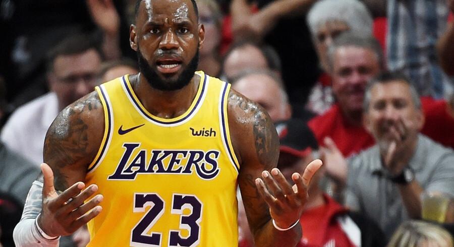 LeBron blev noteret for 26 point i sin debut for Los Angeles Lakers, men det rakte ikke til sejr for det ambitiøse hold. Steve Dykes/Ritzau Scanpix