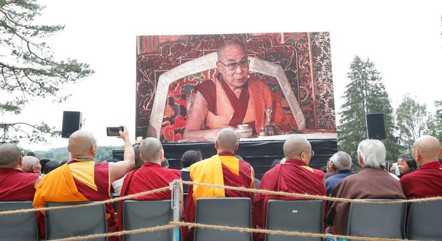 Foto:Arnd Wiegmann/Ritzau Scanpix: Hidtil har udenrigsminister Anders Samuelsen været tavs om de overgreb, der sker mod den tibetanske befolkning, skriver Henning Rovsing Olsen.
