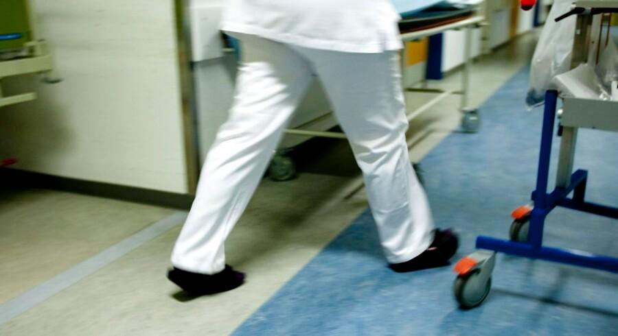 Politikere og sygehusledelser oversælger sundhedsvæsnets kapacitet. Det skaber urealistiske forventninger hos nogle af patienterne og skubber til et i forvejen travlt personale. Arkivfoto: Morten Stricker