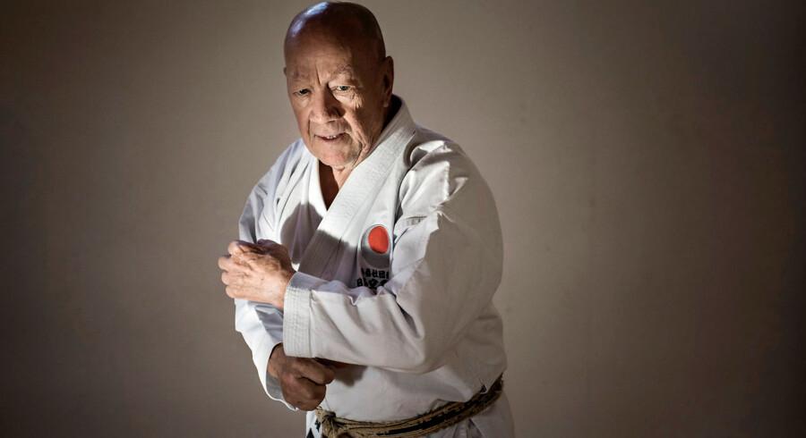 Jørgen Bura. Trods sine 80 år træner Jørgen Bura karate hver dag. Han er medlem af det øverste råd i JKS' Shotokan i Japan og den første ikke-japaner, der fik det sorte bælte af 8. grad.