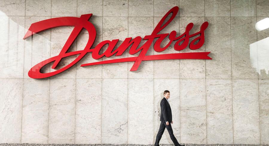 Rapport fastslår, at nedgravet affald fra Danfoss forurener vand. Men parter strides om regning for oprydning.