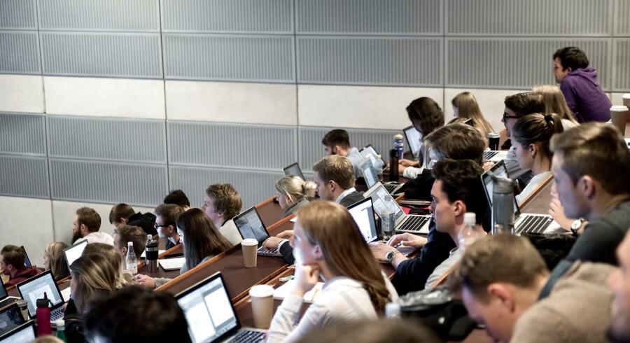 Foto: Mathias Bojesen/Ritzau Scanpix. Det nytter ikke, hvis universiteternes forskningsproces bliver påvirket af økonomiske interesser..
