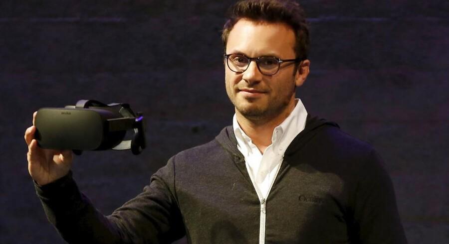 Brendan Iribe har sagt op som topchef for Oculus, der producerer VR-briller og blev købt af Google for fire år siden. Arkivfoto: Robert Galbraith, Reuters/Scanpix