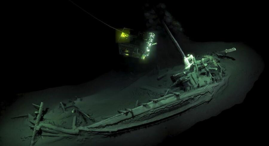 Verdens ældste, intakte skibsvrag er fundet på omkring 2.000 meters dybde i Sortehavet ud for Bulgarien. Foto: Black Sea Maritimearchaeology Project/AFP/Ritzau Scanpix