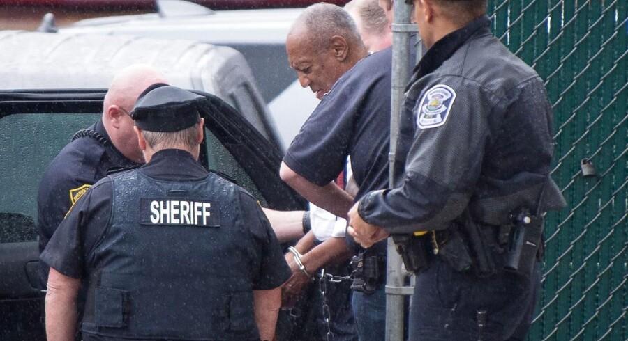 Bill Cosby føres til fængsel efter at være blevet dømt 25. sepstember i år.