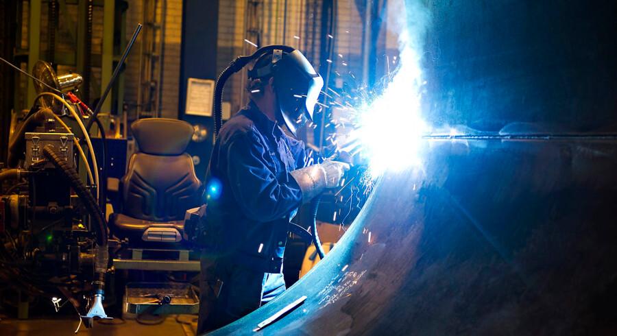 Særligt når man lægger et fint lag krom på andre metaller, eller når man svejser i rustfrit stål, kan arbejdere blive udsat for det farlige krom-6. Dette er et arkivbillede, som ikke har noget med den aktuelle sag at gøre.