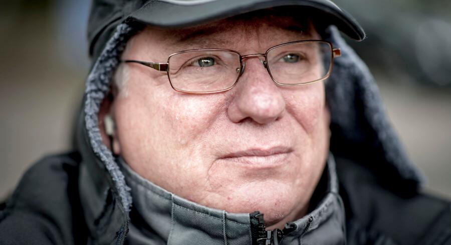 Kim Osbøl blev mandag idømt bøde på 5.000 kr. for at chikanere sagsbehandlere på Jobcenter Lærkevej i Københavns nordvestkvarter, hvor hans sag bliver behandlet. Dommen får ham dog ikke til at stoppe kampen.