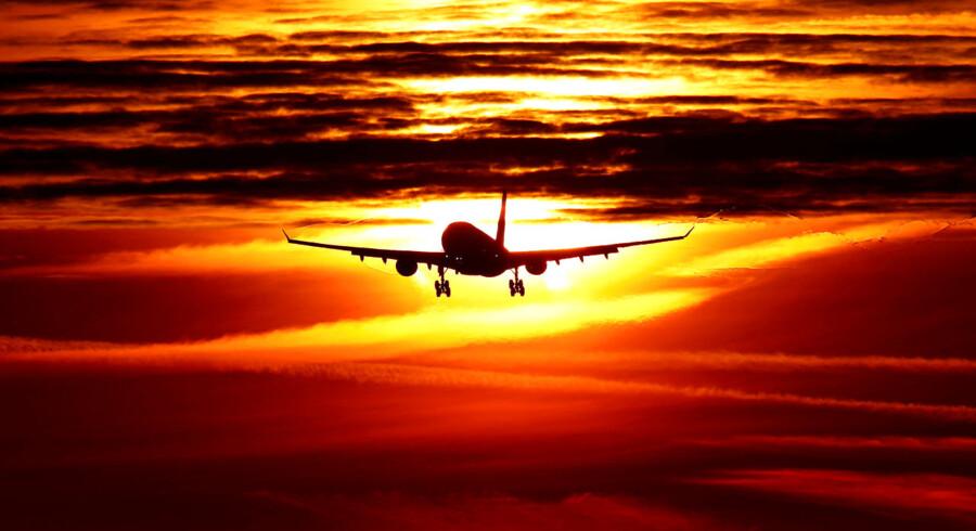 Det er usikkert, om det afhjælper klimaet at kompensere for sine flyrejser.