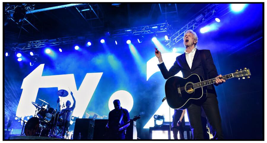 Sanger og sangskriver Steffen Brandt på plænen i Tivoli ved Fredagsrock 17. maj 2013