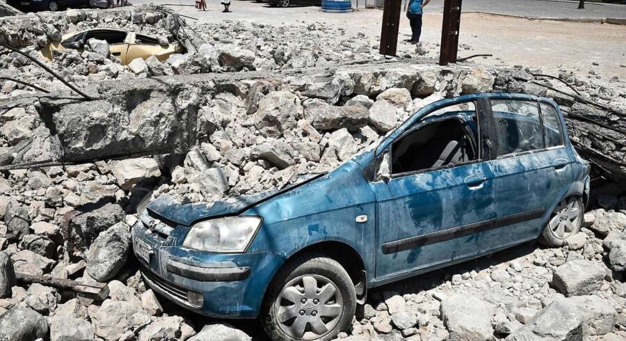 Den græske ø Zakynthos er blevet ramt af et jordskælv. Skaderne skønnes dog ikke at være nær så voldsomme som det, der sidste år ramte bl.a. øen Kos, som billedet stammer fra.