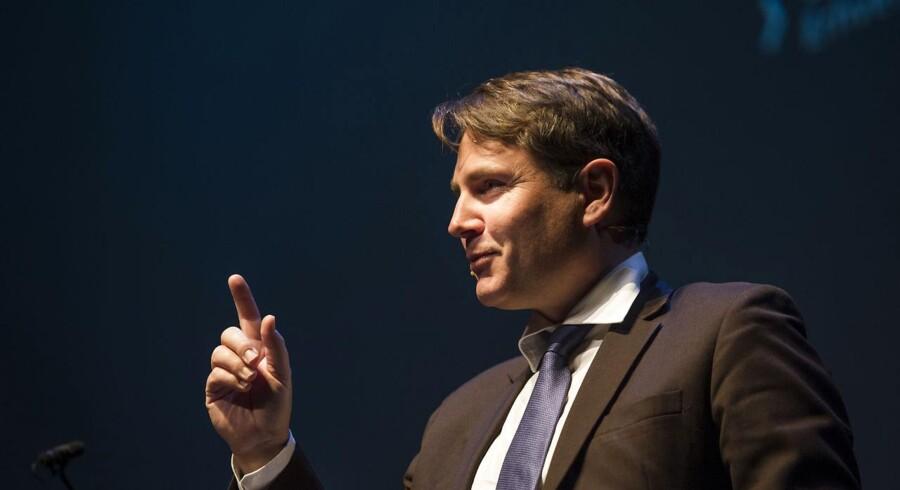 Daværende erhvervsminister Brian Mikkelsen på Finansrådets årsmøde i 2016, hvor han mente, at det skulle være slut med at mobbe bankerne. Foto: Ólafur Steinar Gestsson/Ritzau Scanpix