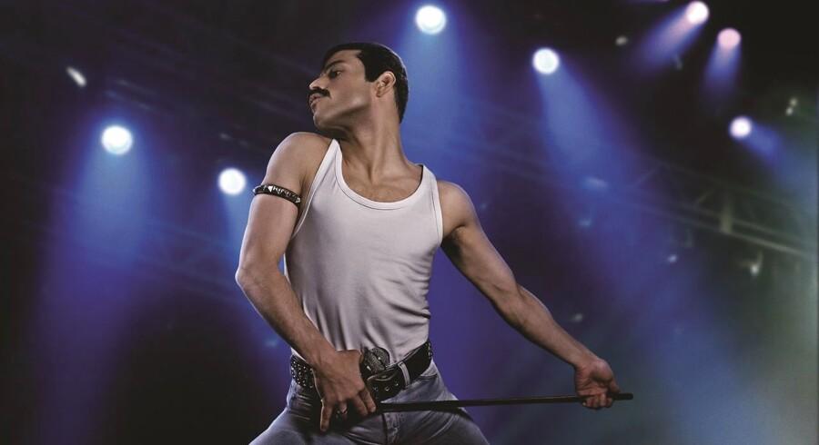 Jeg gik ind til filmen med en blanding af forventning og skepsis. Rygterne om skuespilleren Rami Malik, der spiller Freddie Mercury, var løbet i forvejen, skriver Pia Kjærsgaard om den amerikanske skuespiller, der bærer «Bohemian Rhapsody«.