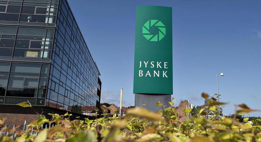 Den sure stemning om Jyske Bank-aktien blev forværret tirsdag. De seneste tre måneder er aktien dykket næsten 30 pct.