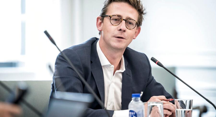 Skatteminister Karsten Lauritzen (V) har tidligere sagt, at tidsplanen måske skal skubbes en smule mere.