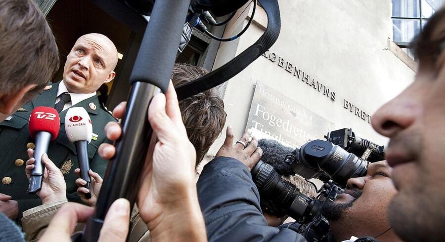 Generalmajor i Forsvarskommandoen Hans-Christian Mathiesen udtalte sig på Forsvarets vegne, da fogedretten besluttede, at bogen »Jæger – i krig med eliten« gerne må udkomme. Mathiesen var oberst dengang.