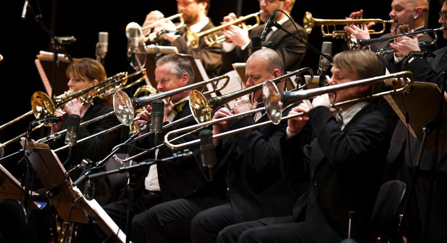 Peter Jensen (forrest), der i mange år var fast medlem af DR Big Bandet (her i 2012), er nu vendt tilbage til orkestret som komponist, producer, dirigent og orkestrator
