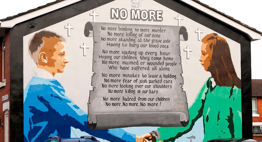 Katolikker og protestanter i Nordirland er langt fra blevet enige om alt, Men de er trods alt blevet enige om det væsentligste. Ikke flere bomber i Belfasts gader.