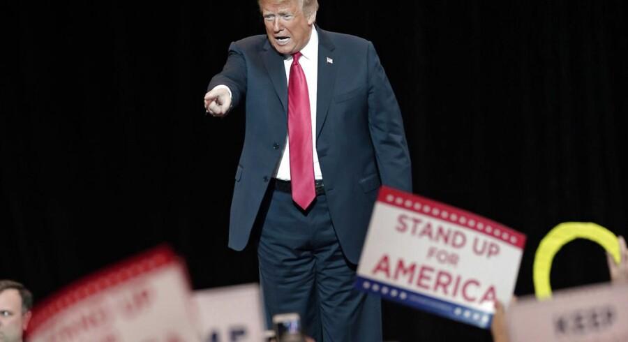 Mens tidligere præsidenter har holdt midtvejsvalgene i strakt arm, har Donald Trump været særdeles aktiv. Foto: Tony Dejak/Ritzau Scanpix
