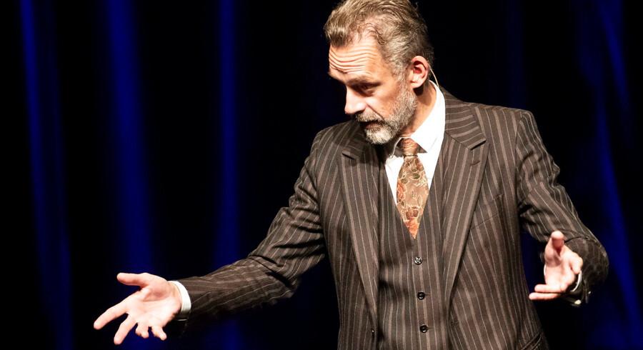 Den canadiske psykolog Jordan Peterson er en af verdens mest populære kultskikkelser og har delt vandene med sit syn på kønskampen. Tirsdag 7.november 2018 lagde han vejen forbi Bremen Teater i København.