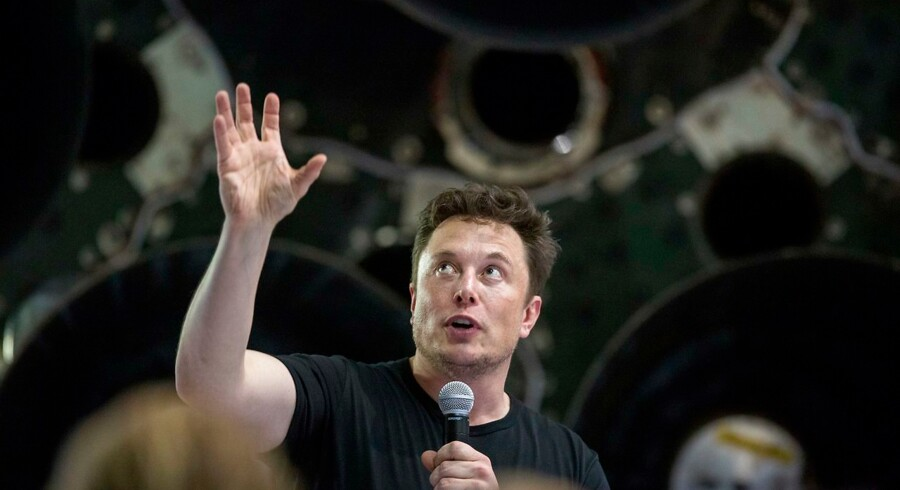Elon Musk er visionær og innovativ, men hans ivber for at tweete har nu kostet ham posten som bestyrelsesformand i Tesla. Med øjeblikkelig virkning, overtager 54-årige Robyn Denholm posten som formand i Tesla.