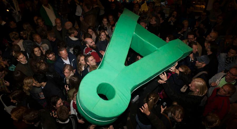 27. november fylder Alternativet fem år. Partiets første år i Folketinget har været præget af uro, interne spændinger personopgør og adskillige dårlige mediesager, fortæller en række centrale kilder, Berlingske har talt med.