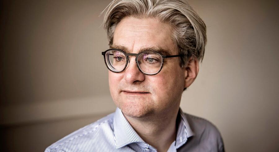 En opsigtsvækkende udtalelse fra Socialdemokratiets gruppeformand, Henrik Sass Larsen, har ført til en diskussion mellem den tidligere Venstre-politiker Søren Pind og miljø- og fødevareminister Jakob Ellemann-Jensen (V).