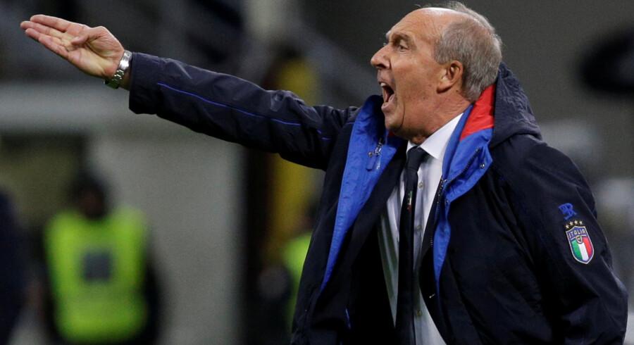 Gian Piero Ventura, her i aktion i sin tid som italiensk landstræner, har mistet troen på at kunne redde Chievo fra nedrykning. Max Rossi/Reuters