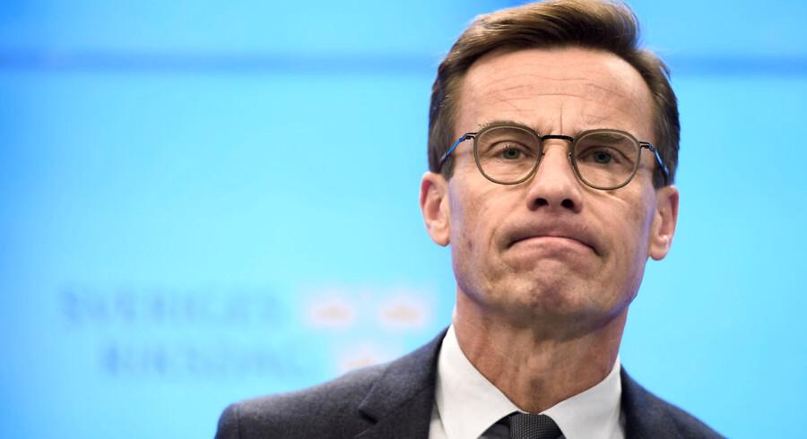 Talmannen i Sveriges Riksdag pålægger Moderaternas Ulf Kristersson at forsøge at danne regering med Kristdemokraterna. Riksdagen stemmer om regeringen onsdag.