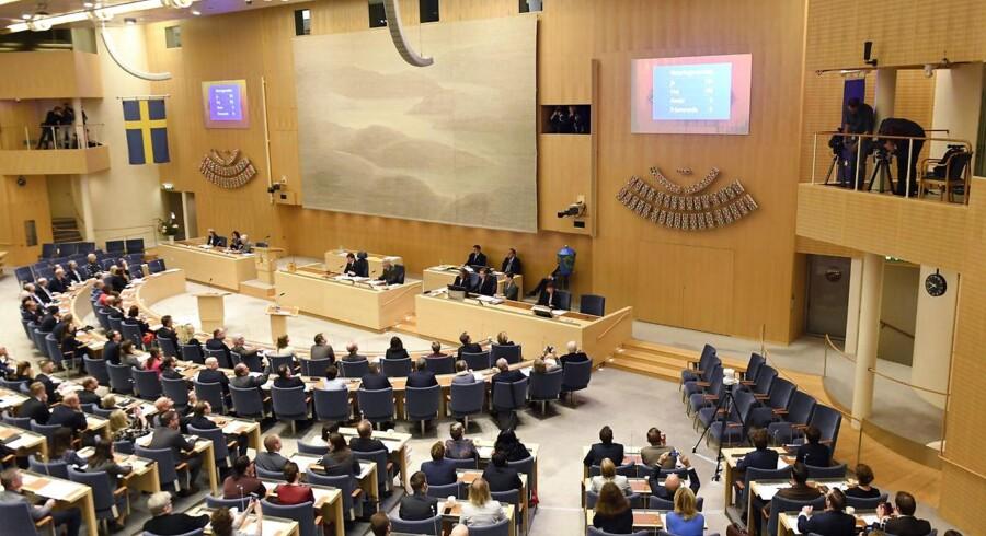 To borgerlige partier afviser at støtte en ny svensk regering bestående af konservative og kristdemokrater.