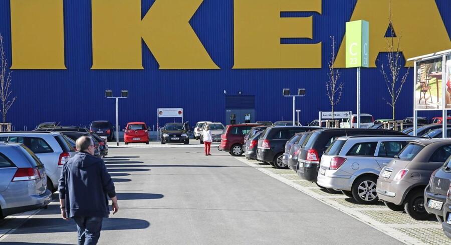 IKEA åbnede i 2014 det første indkøbscenter med et integreret IKEA-varehus i Lübeck i Tyskland. Nu investerer IKEA massivt i flere bygninger og tilføjer hoteller, kontorer og lejligheder til konceptet.