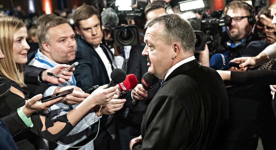 Lars Løkke Rasmussen er fortsat manden i centrum i Venstre, men han kæmper for at få resten af partiet med sig.