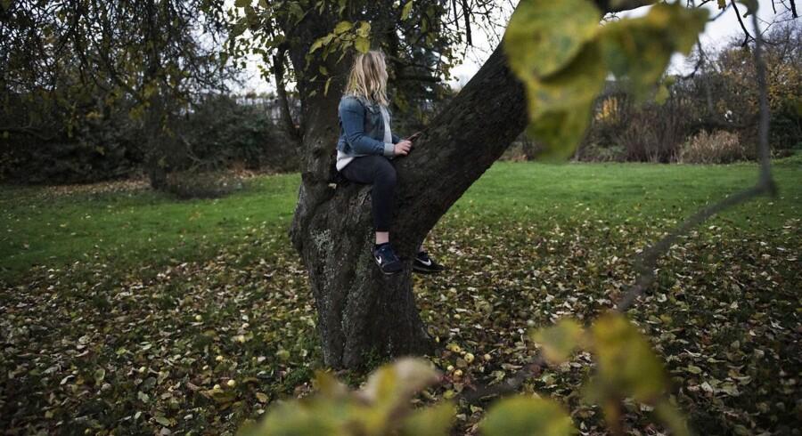 Niårige Clara havde på Youtube set bloggeren Fie Laursens video om at gå på fastekur, hvor man kun drikker vand i tre dage. Det er blot seneste eksempel i rækken af bloggere og youtubere med flere tusinde unge følgere, der i stigende grad deler sundhedsmyter og opfordringer til diverse slankekure, fortæller bekymrede eksperter.