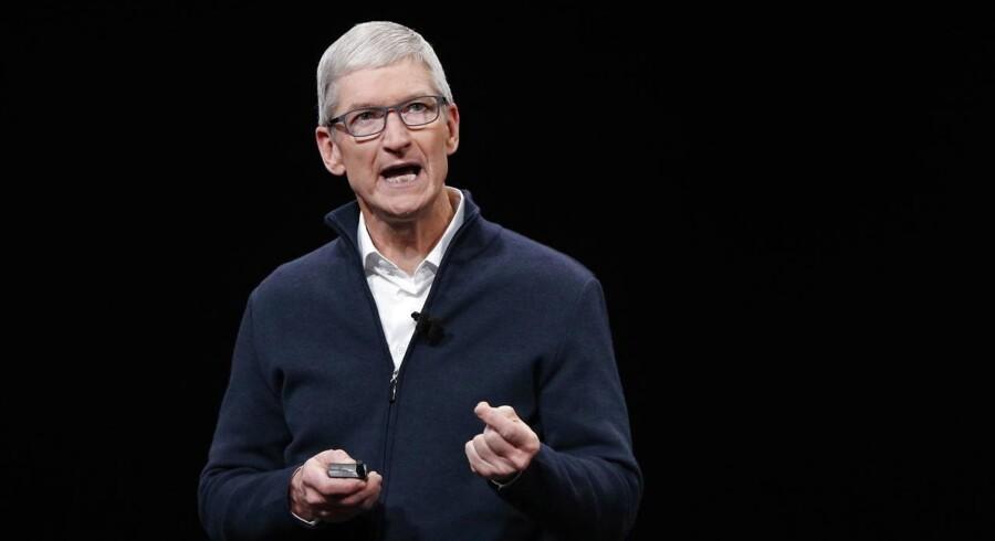 Apple-topchef Tim Cook opfordrer politikerne til at gribe ind, fordi det frie marked ikke fungerer men bringer folks data i fare. Arkivfoto: Justin Lane, EPA/Scanpix
