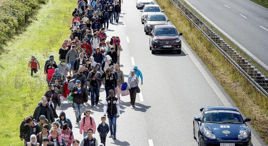 Sydmotorvejen ved Rødby, september 2015. Flygtninge og migranter på vandring mod Sverige.