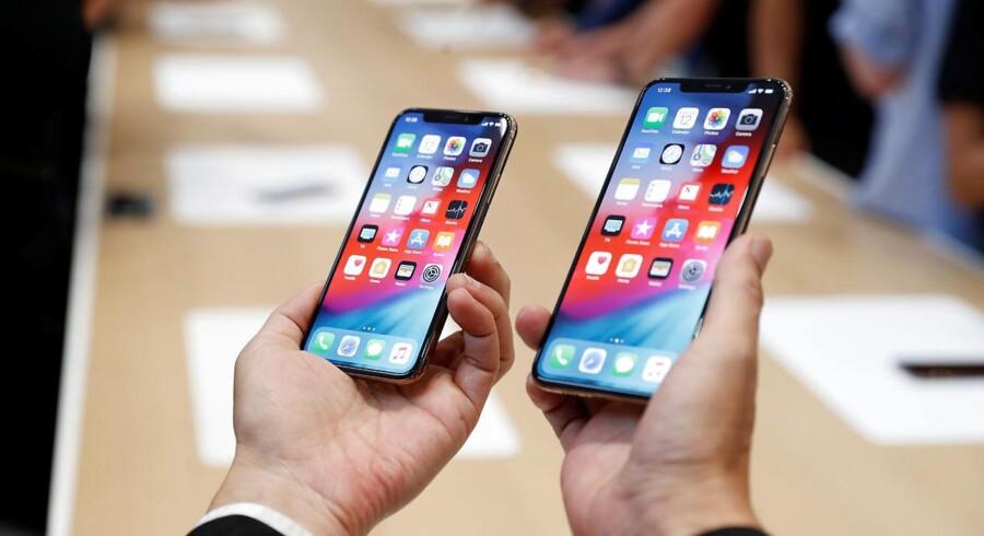 Apples bestillinger på alle de tre nye iPhone-telefoner, her XS og XS Max, er de seneste uger blevet skåret ned, og det har sat en bølge af bekymringer i gang. Arkivfoto: Stephen Lam, Reuters/Scanpix