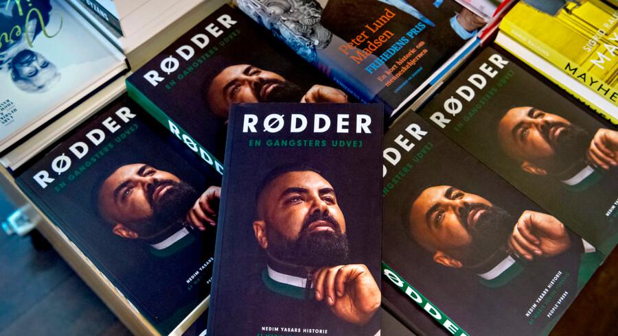 Bogen »Rødder - En gangsters udvej« om Nedim Yasar af forfatter Marie Louise Toksvig udkom tirsdag 20. november - samme dag blev det meddelt, at han var afgået ved døden efter en skudepisode.