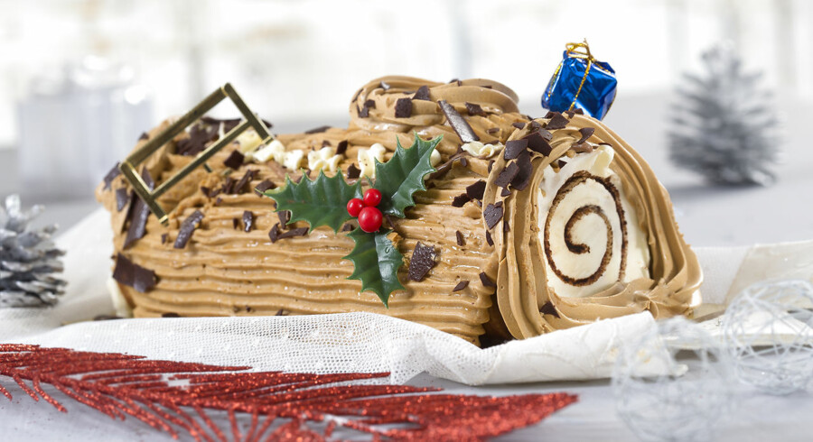 La bûche de Noël var oprindeligt en rigtig træstamme. Nu er det en roulade, der ligner en træstamme.