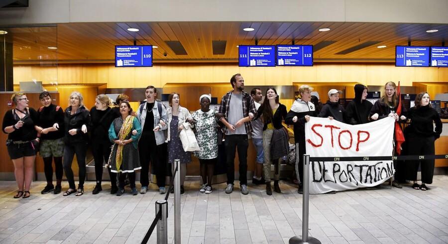 Organisationerne »Welcome to Denmark« og »Ingen Udvisninger Uden Modstand« stod bag en aktion i Københavns Lufthavn 1. august 2016, hvor den første af tre lesbiske kvinder fra Uganda blev udvist efter at have fået afslag på asyl.