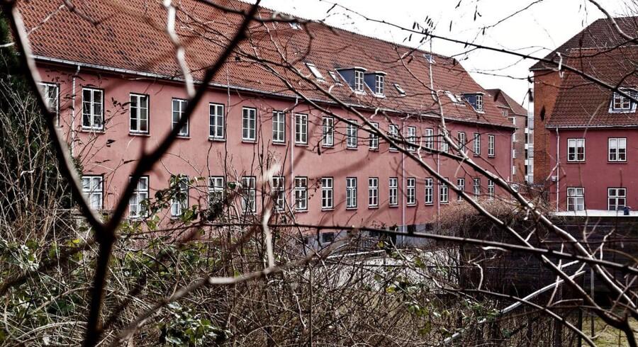 Den Sønderjyske By på Frederiksberg blev i sin tid kendt som »husvildebarakkerne«. Nu står ejendommene ifølge Berlingskes oplysninger over for at blive overtaget af kapitalforvalteren Blackstone.