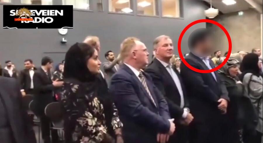 Billedet er et screenshot fra et videoklip fra en regimekritisk iransk TV-kanal, som er offentligt tilgængeligt online. Berlingske har sløret MD på billedet, fordi retten har nedlagt forbud mod at nævne hans navn eller identificere ham, og han ikke er dømt for en forbrydelse.
