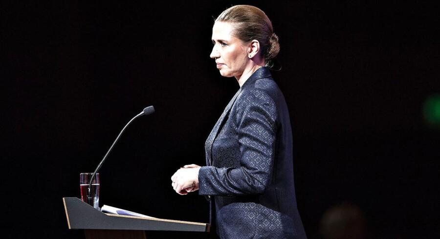 S-formand Mette Frederiksen og Socialdemokratiet begrunder blandt andet et nyt udspil om at øge skatten på formuer hos den rigeste del af befolkningen med økonomisk kriminalitet og stor formue.