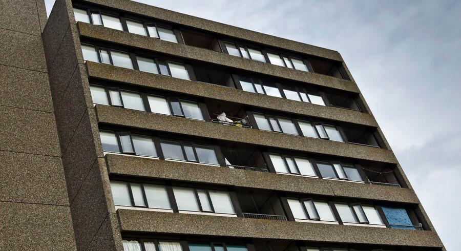 Odensebydelen Vollsmose har i mere end fire år været på regeringens ghettoliste. Det kan resultere i, at kommunen må rive boligblokke ned.